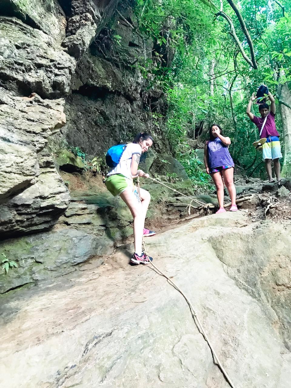 camino a la cachoeira do horto
