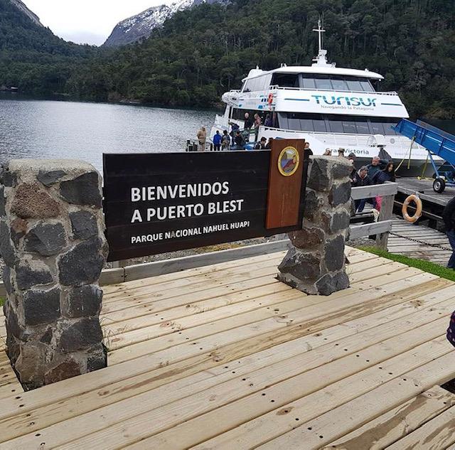 excursion catamaran puerto blest