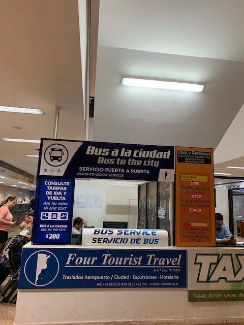 como ir desde el aeropuerto de iguazu a la ciudad autobus precio