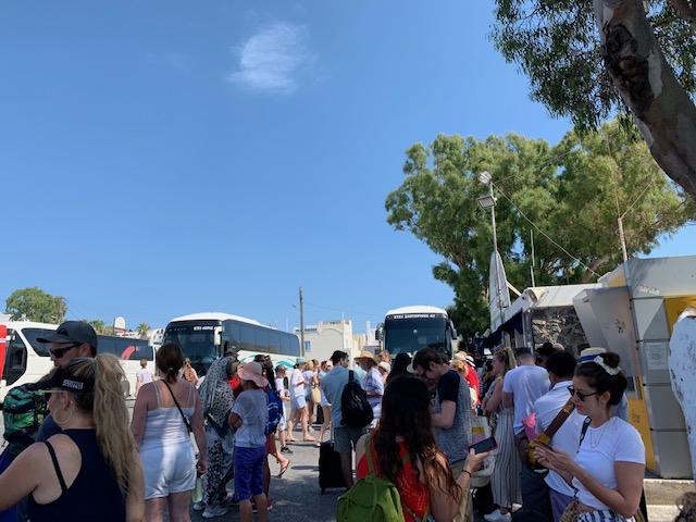 estacion de buses de Fira en Santorini