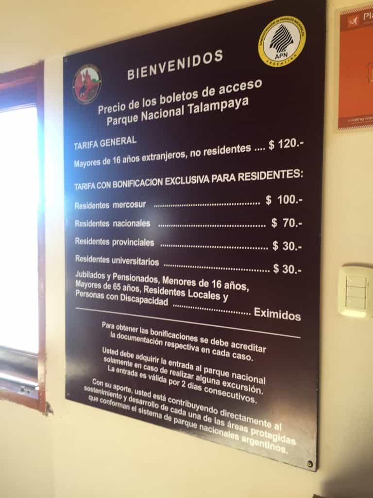 Cartel de precios del Parque Nacional Talampaya
